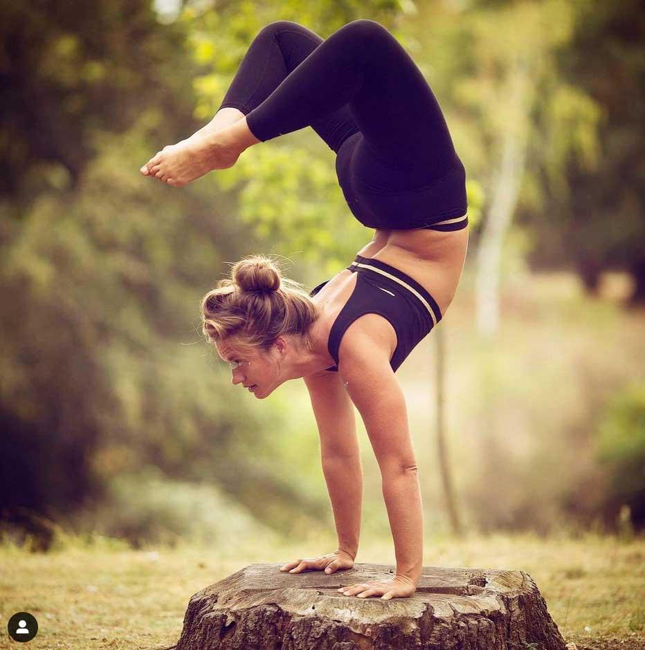 ola-jas-scorpion-yoga-pose