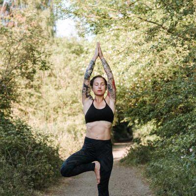 arbre-yoga-bras-etendus