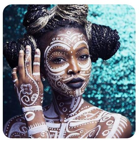 tribal-blanc-maquillage-bodypainting-femme-noire-peinture-corps